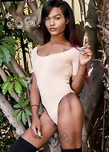 BEHOLD A hung Femout sweetheart with a seriously bright future ahead of her. Alaska Lowkee is an ebony beauty with it going ON! Brought to us in a tig