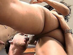 Sexy Sunshyne in a dirty threesome