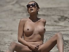 Jessica Jacks Her Thick Love Stick in the Desert